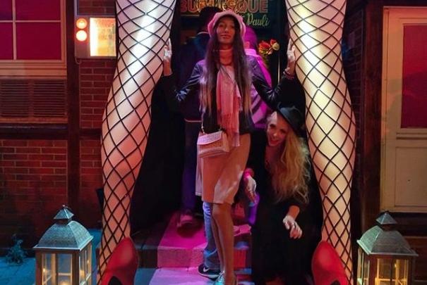 Проститутки возле борделя в Гамбурге